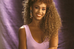Whitney-Houston-9344818-2-402